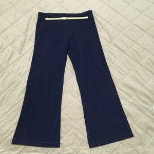 Lululemon Vintage Navy Flared Cropped Pants with Belt